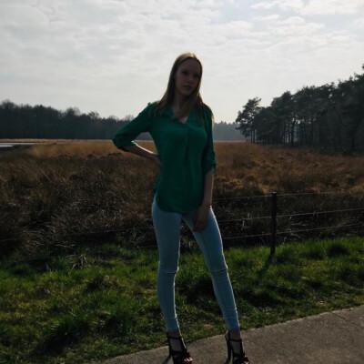 iris zoekt een Huurwoning / Kamer / Appartement / Studio in Groningen