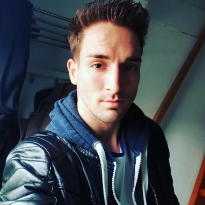 Mitch zoekt een Appartement / Huurwoning / Kamer / Studio / Woonboot in Groningen